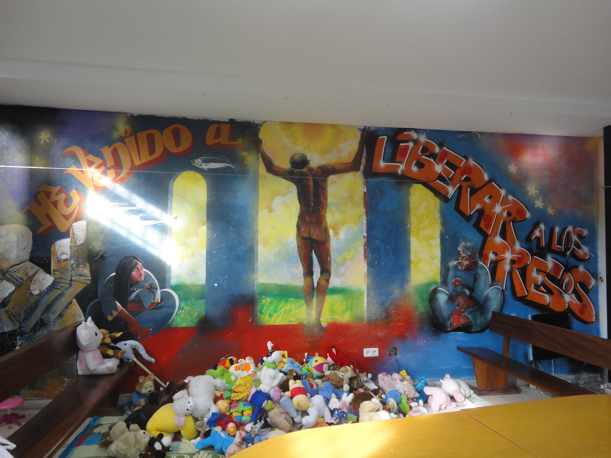 Grafiti interior San Carlos Borromeo