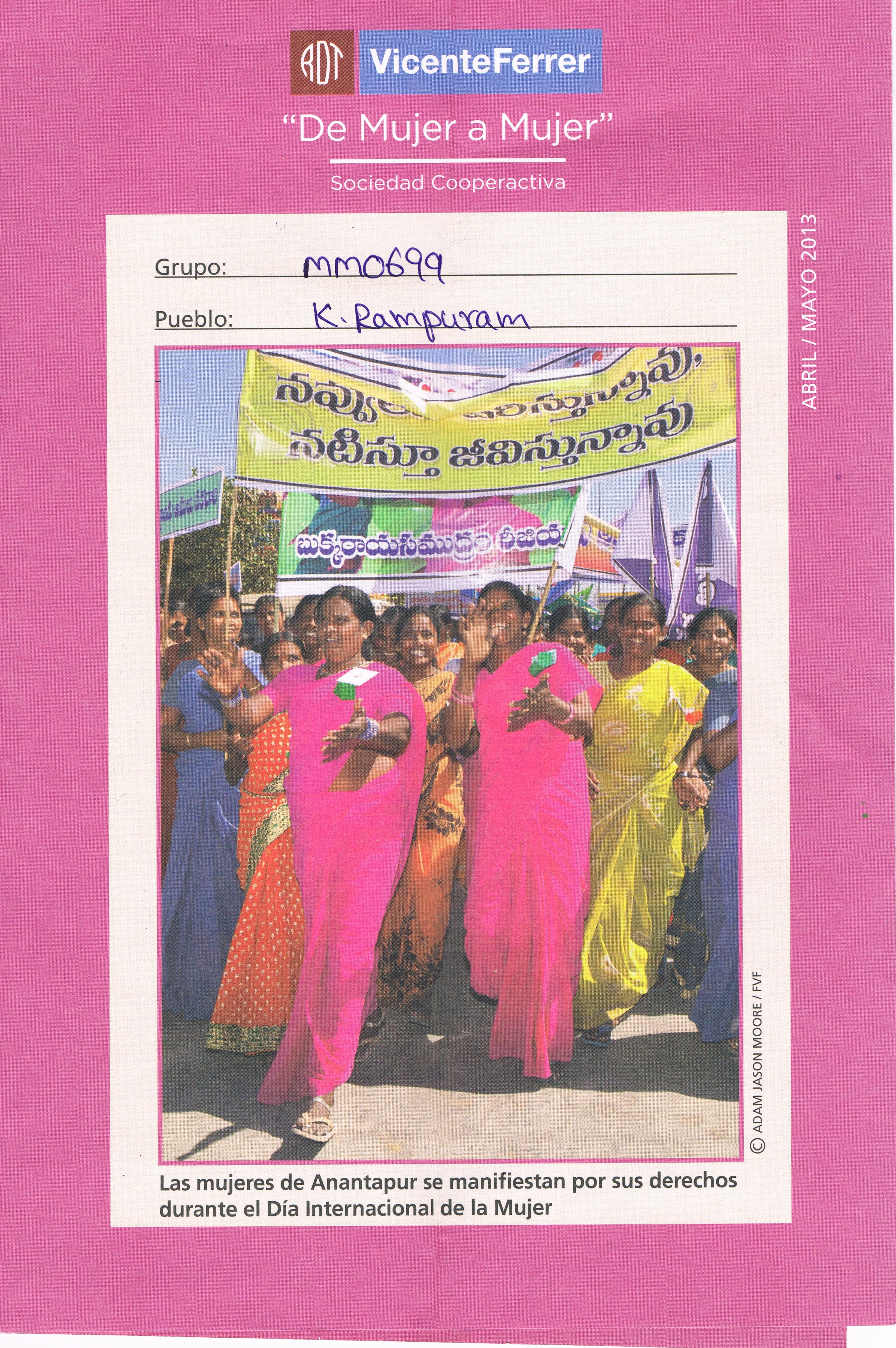 Mujeres de Anantapur manifestandose por sus derechos durante el Día Internacional de la Mujer