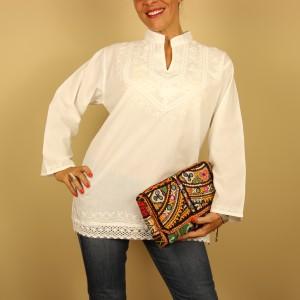 camisa blanca bordada de Dando un Paseo